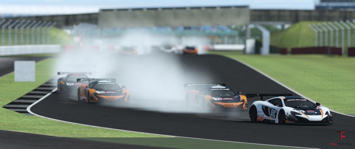 Biały McLaren wydaje się być najszybszy ;)